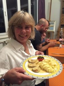 En plat principal: Filets mignons, accompagné de nouilles et de tomates au four. Miam! On en redemande!