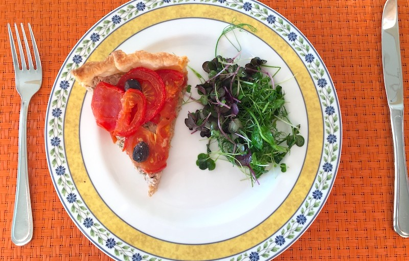 Tarte à la tomate et au thon
