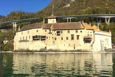 Le château de Chillon vu du lac