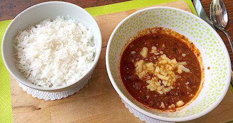 Chili con carne et riz basmati (piquant à la demande)