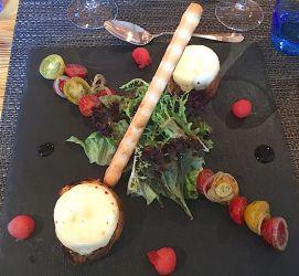Salade à la tomme fraîche